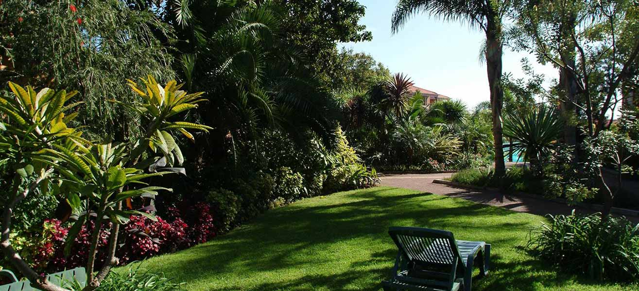 Pestana village garden resort aparthotel funchal madeira for Design boutique hotel funchal