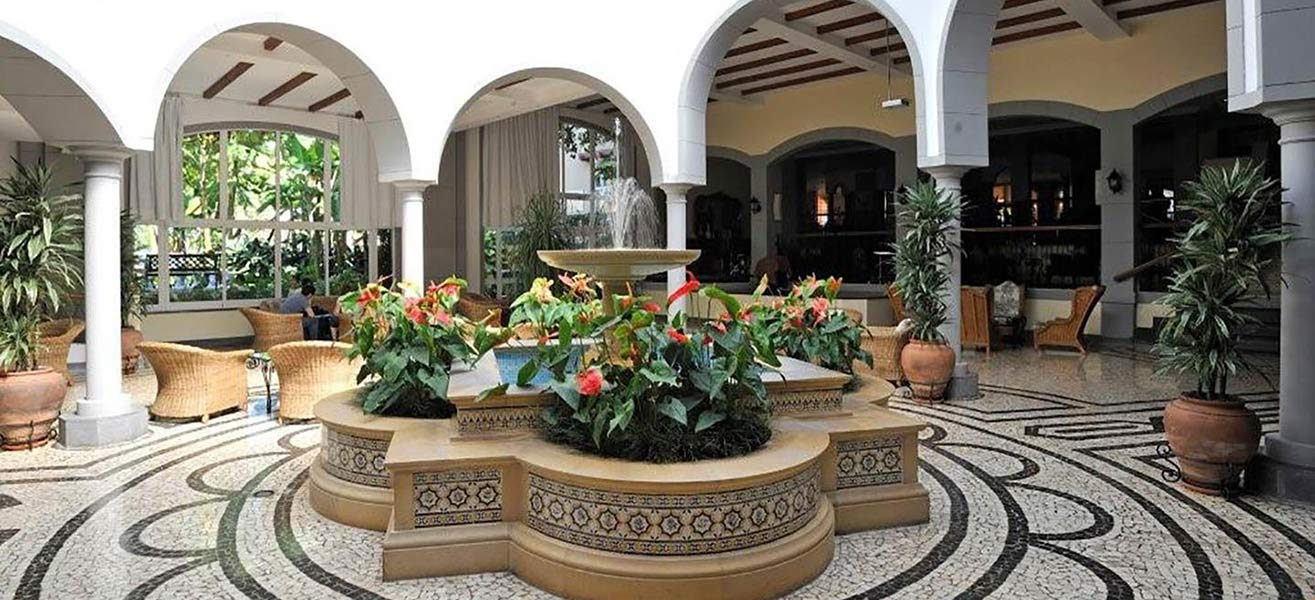 Pestana village garden resort aparthotel funchal madeira for Design hotel madeira